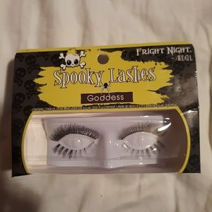 "New Halloween ""Goddess"" eyelashes"